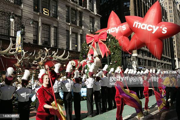 S 78TH THANKSGIVING DAY PARADE Aired Pictured Santa's Sleigh float at the 2004 Macy's Thanksgiving Day Parade Photo by Virginia Sherwood/NBCU Photo...