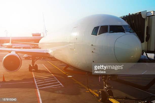 Avion au terminal