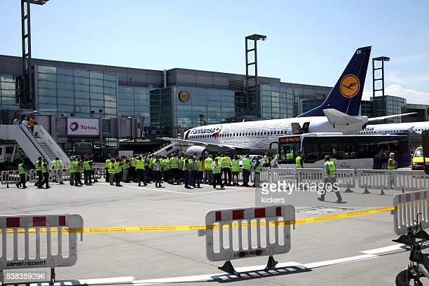 Avion qui attendent équipe d'Allemagne de football pour voyage pour la France