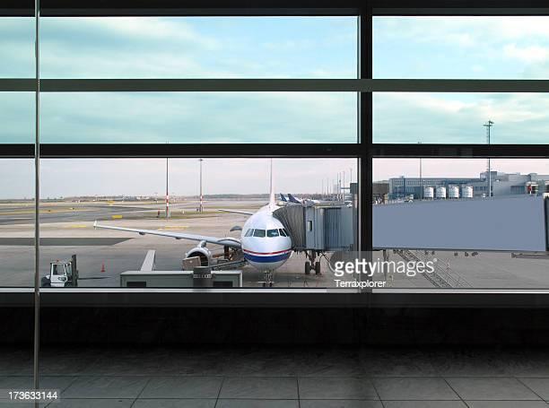 Flugzeug In Prag Airport