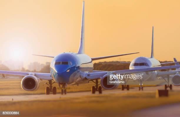 Flugzeug stehen am Flugplatz warten ausziehen in Buenos Aires Argentinien