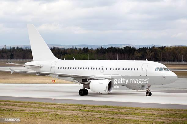 Avião Estacionar Avião na Pista de Decolagem