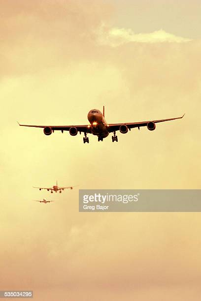 Airplanes queuing up to land