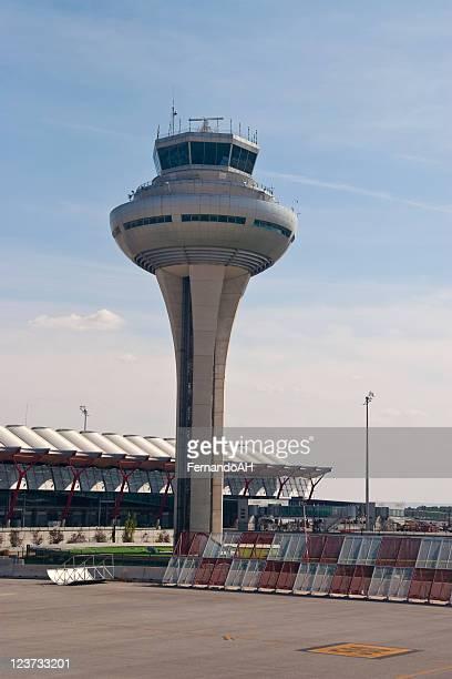 Aeropuerto, Torre de control
