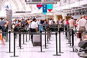 Flughafen Menschenmenge