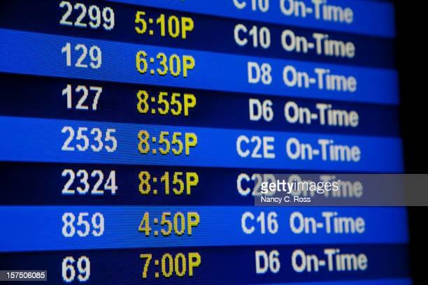 Flughafen Abreise-Board mit Gate zahlen, Flugzeiten, Fahrplan