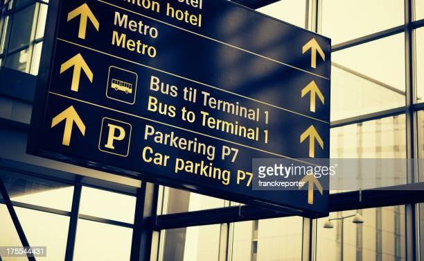 Sinal de Informação do aeroporto turist