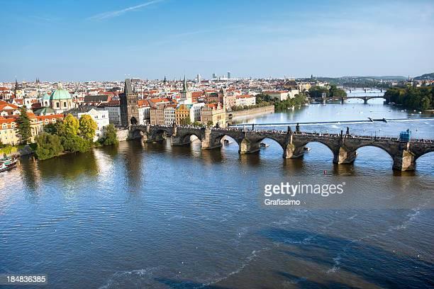 Airview Pont Charles à Prague, République tchèque, avec Rivière Vltava