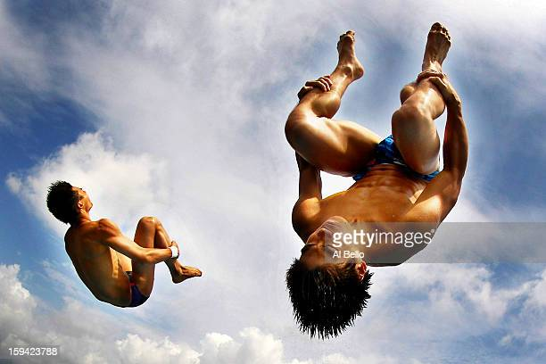 Aisen Chen and Huo Liang of China dive during the Synchronized Men 10m Platform Final at the Fort Lauderdale Aquatic Center on Day 4 of the ATT USA...