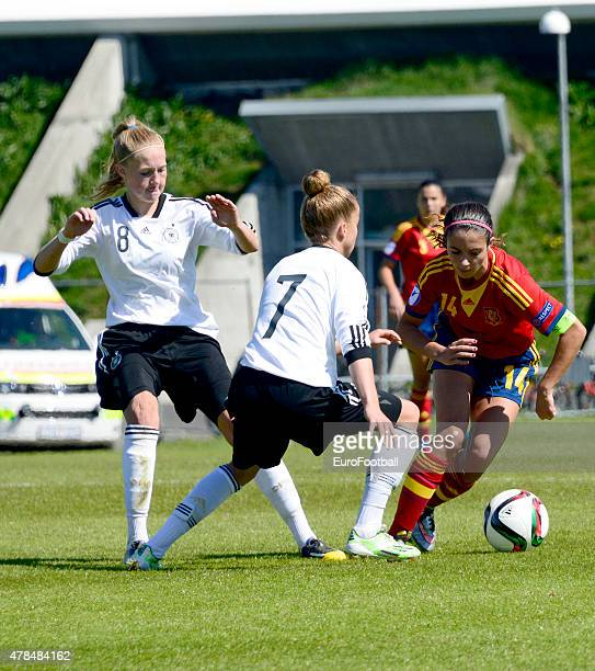 Aitana Bonmati of Spain challenges Giulia Gwinn and Janina Minge of Germany during the UEFA European Women's Under17 Championship match between U17...