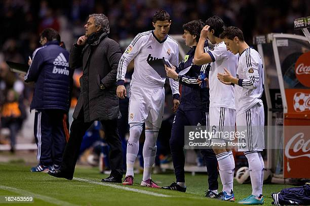 Aitor Karanka of Real Madrid CF gives instructions to Cristiano Ronaldo Sami Khedira and Mezut Ozil prior to start playing while Head coach Jose...