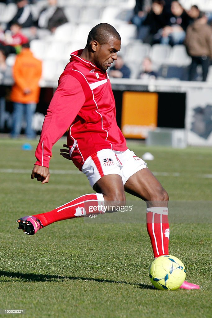 Ajaccio's new recruited French midfielder Ronald Zubar warms up before the French L1 football match Ajaccio (ACA) vs Lyon (OL) in the Francois Coty stadium in Ajaccio, French Mediterranean island of Corsica, on February 3, 2013.