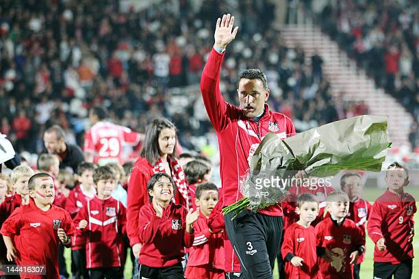 Ajaccio's reserve goal keeper Thierry Debes is applauded by the crowd before the french L1 football match Ajaccio vs Lyon in the Francois Coty...