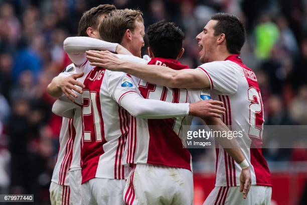 Ajax celebrate the goal of Frenkie de Jong of Ajaxduring the Dutch Eredivisie match between Ajax Amsterdam and Go Ahead Eagles at the Amsterdam Arena...