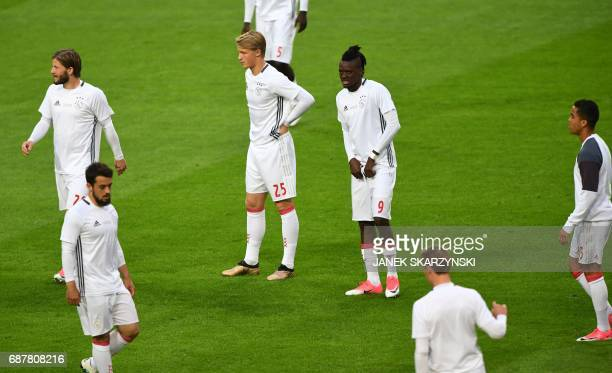 Ajax Danish forward Kasper Dolberg and teammates warm up prior to the UEFA Europa League final football match Ajax Amsterdam v Manchester United on...