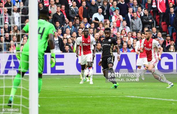 Ajax defender Davinson Sánchez scores during UEFA Europa League semifinal first leg Ajax Amsterdam v Olympique Lyonnais on May 3 2017 in Amsterdam /...