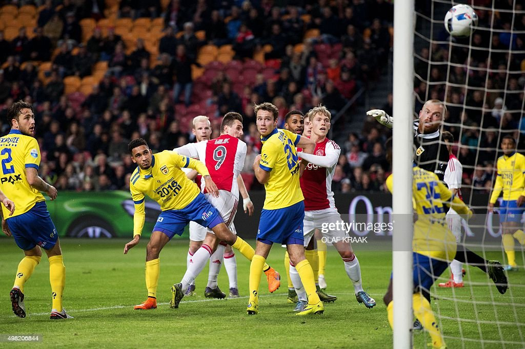 Ajax's Arek Milik scores during the Dutch Eredivisie football match between Ajax Amsterdam and Cambuur in Amsterdam on November 21 2015 AFP PHOTO /...