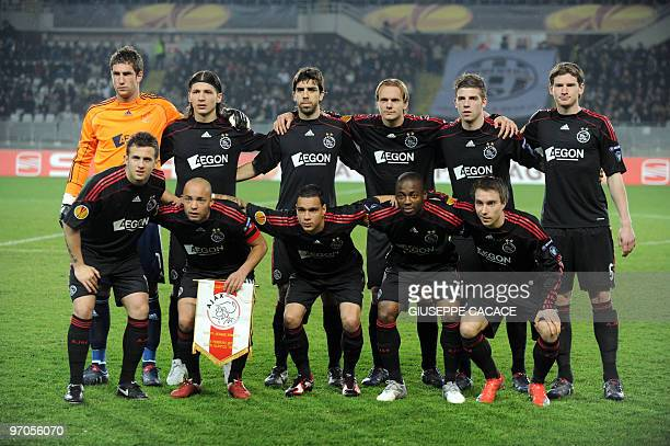 Ajax's team members pose before the Europa League football match between Juventus and Ajax at Olympic stadium in Turin on February 25 2010 AFP PHOTO...