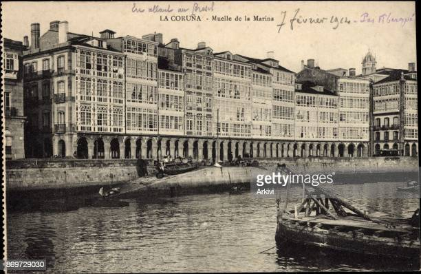 Ak La Coruna Galicien Muelle de la Marina Partie in der Stadt
