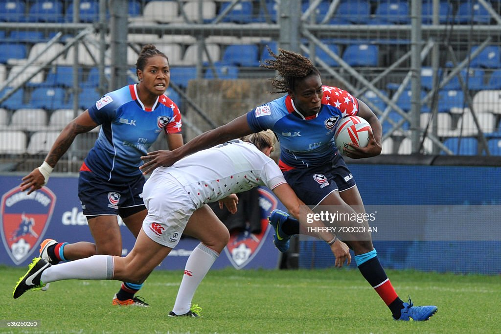 US Akalaini Baravilala (R) runs with the ball during the HSBC World Rugby Women's Sevens Series match between USA and England on May 29, 2016 at the Gabriel Montpied stadium in Clermont-Ferrand, central France, on May 29, 2016.