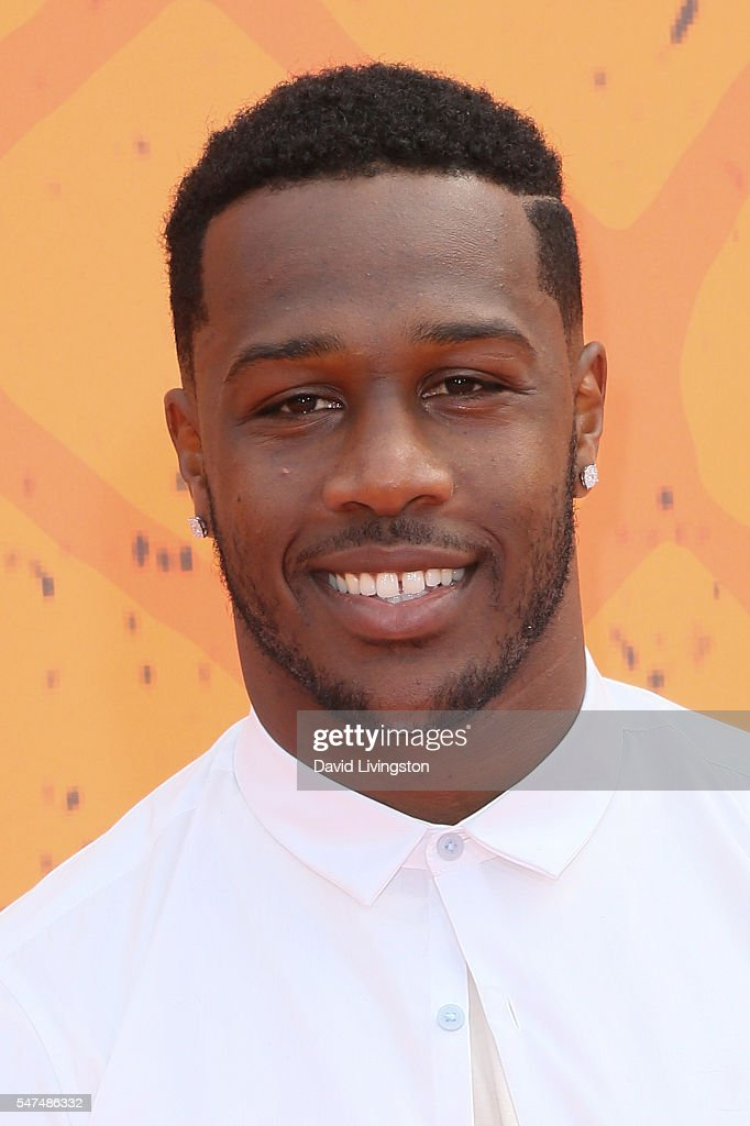 Akeem Ayers arrives at the Nickelodeon Kids' Choice Sports Awards 2016 at the UCLA's Pauley Pavilion on July 14, 2016 in Westwood, California.