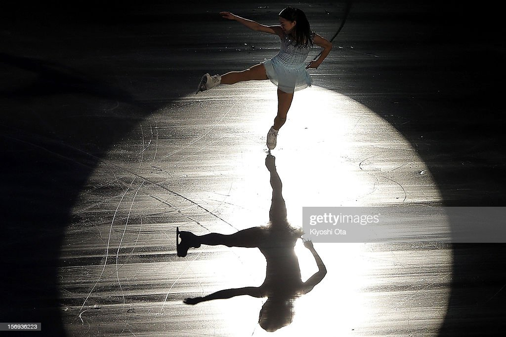 <a gi-track='captionPersonalityLinkClicked' href=/galleries/search?phrase=Akiko+Suzuki&family=editorial&specificpeople=5621783 ng-click='$event.stopPropagation()'>Akiko Suzuki</a> of Japan performs in the Gala Exhibition during day three of the ISU Grand Prix of Figure Skating NHK Trophy at Sekisui Heim Super Arena on November 25, 2012 in Rifu, Japan.