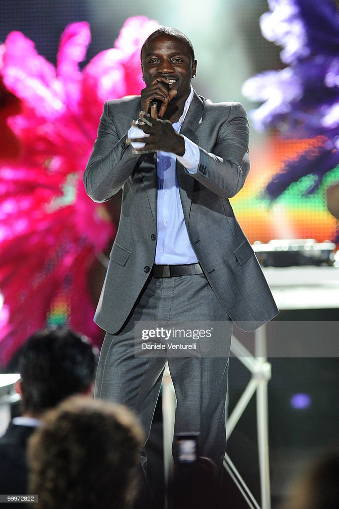 Akon performs on stage during the World Music Awards 2010 at the Sporting Club on May 18, 2010 in Monte Carlo, Monaco.