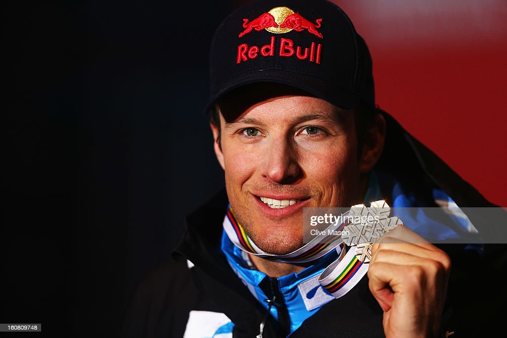 <a gi-track='captionPersonalityLinkClicked' href=/galleries/search?phrase=Aksel+Lund+Svindal&family=editorial&specificpeople=227957 ng-click='$event.stopPropagation()'>Aksel Lund Svindal</a> of Norway celebrates at the medal ceremony after winning bronze in the Men's Super G event during the Alpine FIS Ski World Championships on February 6, 2013 in Schladming, Austria.