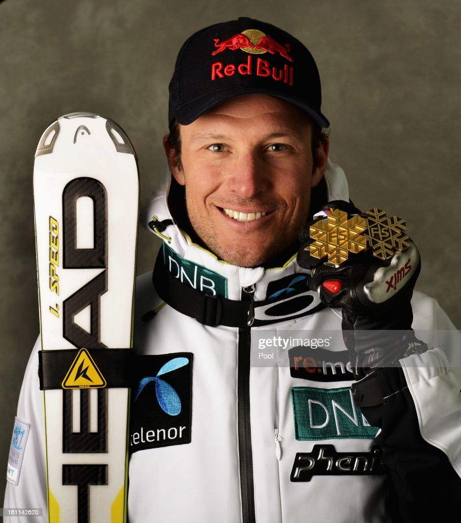 <a gi-track='captionPersonalityLinkClicked' href=/galleries/search?phrase=Aksel+Lund+Svindal&family=editorial&specificpeople=227957 ng-click='$event.stopPropagation()'>Aksel Lund Svindal</a> of Norway celebrates with his gold medal after winning the Men's Downhill during the Alpine FIS Ski World Championships on February 9, 2013 in Schladming, Austria.