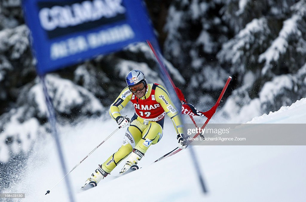 <a gi-track='captionPersonalityLinkClicked' href=/galleries/search?phrase=Aksel+Lund+Svindal&family=editorial&specificpeople=227957 ng-click='$event.stopPropagation()'>Aksel Lund Svindal</a> of Norway during the Audi FIS Alpine Ski World Cup Men's Giant Slalom on December 16, 2012 in Alta Badia, Italy.