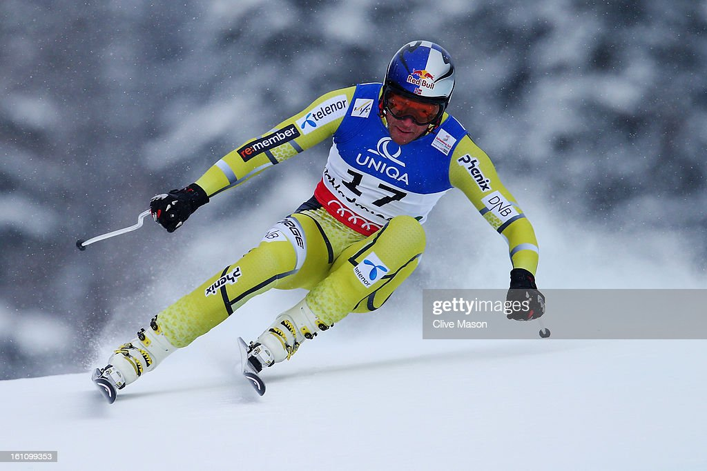 <a gi-track='captionPersonalityLinkClicked' href=/galleries/search?phrase=Aksel+Lund+Svindal&family=editorial&specificpeople=227957 ng-click='$event.stopPropagation()'>Aksel Lund Svindal</a> of Norway skis on his way to winning the Men's Downhill during the Alpine FIS Ski World Championships on February 9, 2013 in Schladming, Austria.