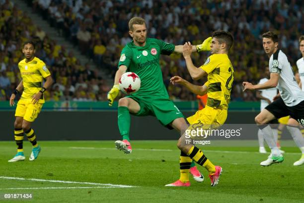 aktion zum elfmeter Goalkeeper Lukas Hradecky of Frankfurt and Christian Pulisic of Dortmund battle for the ball during the DFB Cup final match...