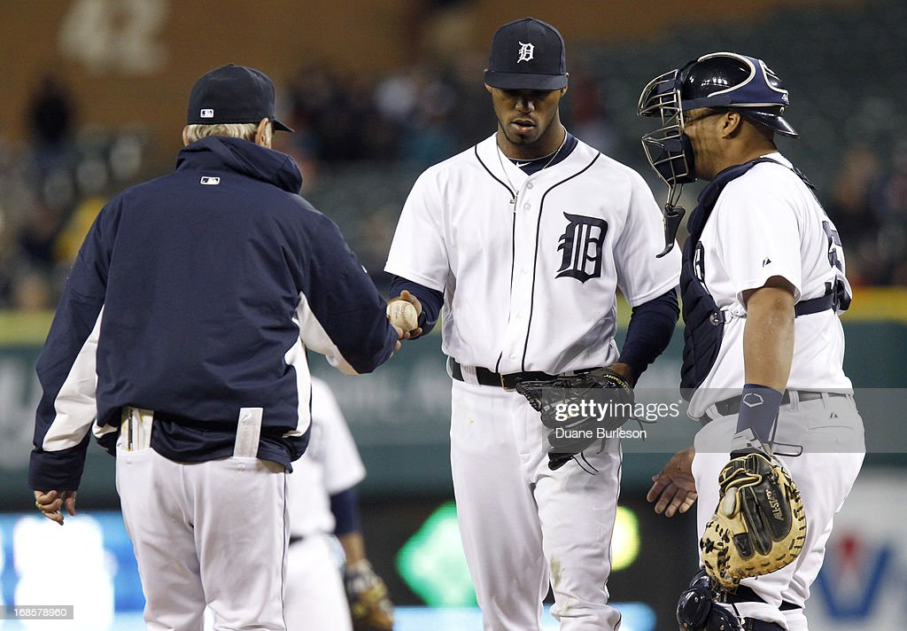 <a gi-track='captionPersonalityLinkClicked' href=/galleries/search?phrase=Al+Alburquerque&family=editorial&specificpeople=6829031 ng-click='$event.stopPropagation()'>Al Alburquerque</a> #62 of the Detroit Tigers is pulled from the game by manager <a gi-track='captionPersonalityLinkClicked' href=/galleries/search?phrase=Jim+Leyland&family=editorial&specificpeople=239038 ng-click='$event.stopPropagation()'>Jim Leyland</a> #10 while catcher <a gi-track='captionPersonalityLinkClicked' href=/galleries/search?phrase=Brayan+Pena&family=editorial&specificpeople=545678 ng-click='$event.stopPropagation()'>Brayan Pena</a> #55 looks on in the eighth inning of a baseball game against the Cleveland Indians at Comerica Park on May 11, 2013 in Detroit, Michigan.