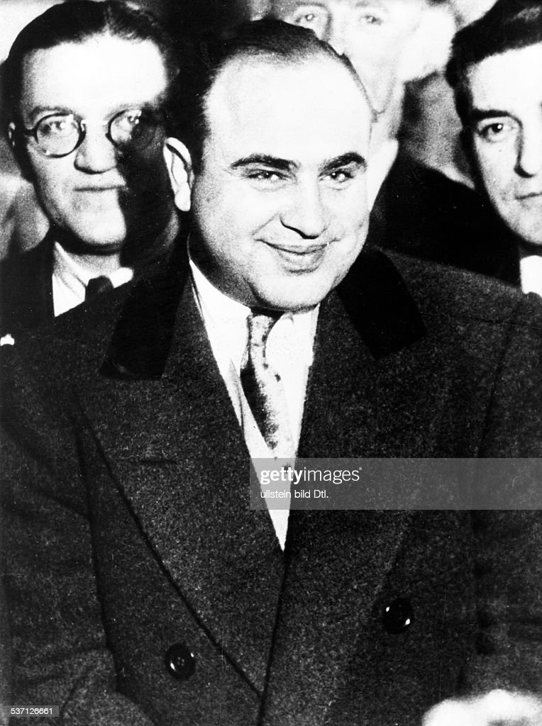 <a gi-track='captionPersonalityLinkClicked' href=/galleries/search?phrase=Al+Capone&family=editorial&specificpeople=93051 ng-click='$event.stopPropagation()'>Al Capone</a> (*1899-1947+) , Gangster, USA, Porträt, - 1930