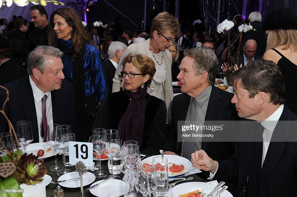 <a gi-track='captionPersonalityLinkClicked' href=/galleries/search?phrase=Al+Gore&family=editorial&specificpeople=119691 ng-click='$event.stopPropagation()'>Al Gore</a>, actress <a gi-track='captionPersonalityLinkClicked' href=/galleries/search?phrase=Annette+Bening&family=editorial&specificpeople=202568 ng-click='$event.stopPropagation()'>Annette Bening</a> and actor <a gi-track='captionPersonalityLinkClicked' href=/galleries/search?phrase=Warren+Beatty&family=editorial&specificpeople=201478 ng-click='$event.stopPropagation()'>Warren Beatty</a> attend UCLA Institute Of The Environment And Sustainability's 2nd Annual 'An Evening Of Environmental Excellence' - Inside on March 5, 2013 in Beverly Hills, California.