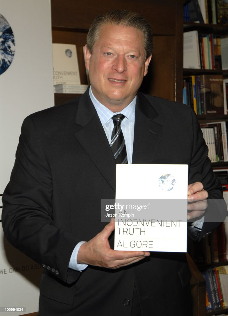 Al Gore during Al Gore In-Store Appearance For His New Book 'An Inconvenient Truth' - June 12, 2006 at Barnes & Noble - 82nd Street in New York City, New York, United States.