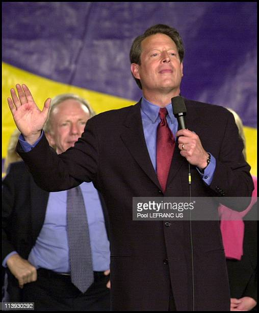 Al Gore Joseph Lieberman and Hillary Clinton in meeting at Sheraton hotel In New York city United States On October 19 2000Al Gore