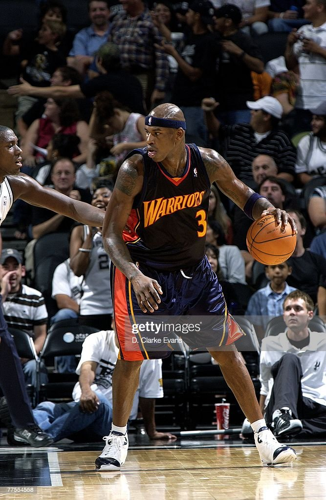 Al Harrington #3 of the Golden State Warriors handles the ball during the preseason game against the San Antonio Spurs on October 18th at AT&T Center in San Antonio, Texas. The Spurs won 116-111.