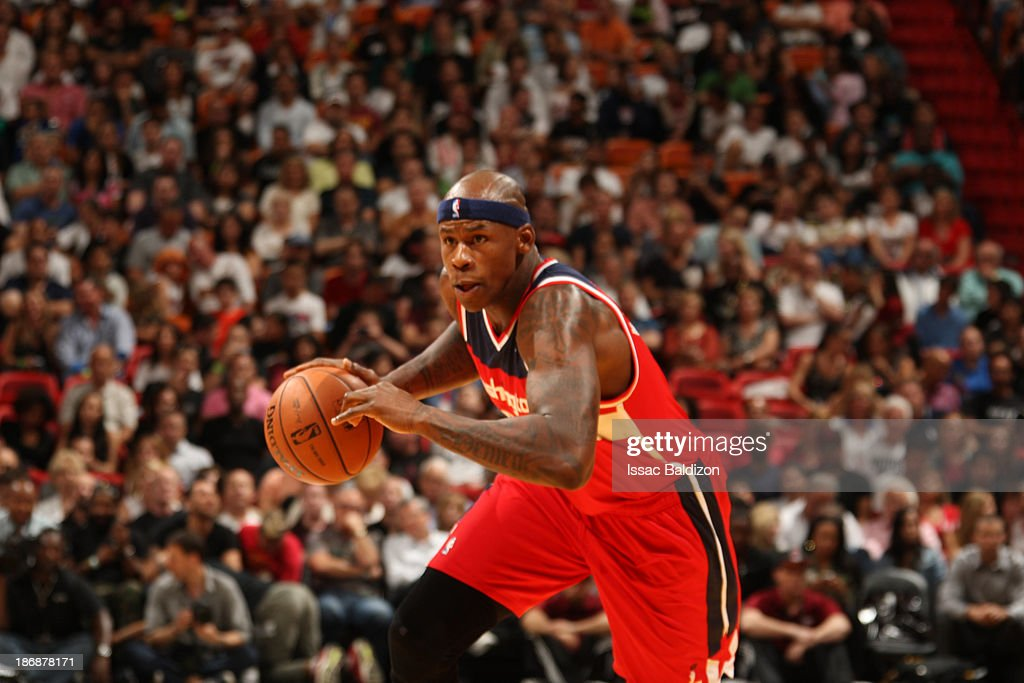 Al Harrington #7 of the Washington Wizards drives against the Miami Heat on November 3, 2013 at American Airlines Arena in Miami, Florida.