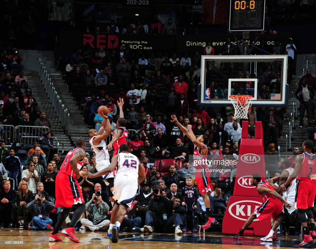 Al Horford #15 of the Atlanta Hawks hits the game winning shot against the Washington Wizards on December 13, 2013 at Philips Arena in Atlanta, Georgia.