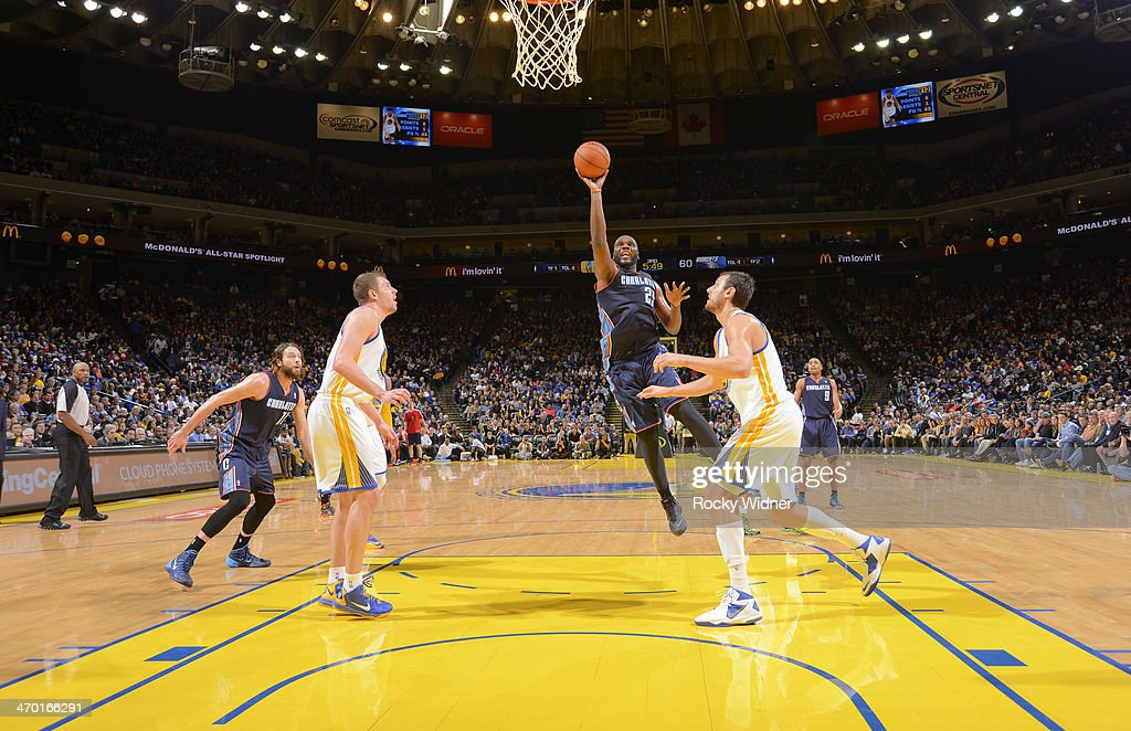 <a gi-track='captionPersonalityLinkClicked' href=/galleries/search?phrase=Al+Jefferson&family=editorial&specificpeople=201604 ng-click='$event.stopPropagation()'>Al Jefferson</a> #25 of the Charlotte Bobcats shoots against the Golden State Warriors on February 4, 2014 at Oracle Arena in Oakland, California.