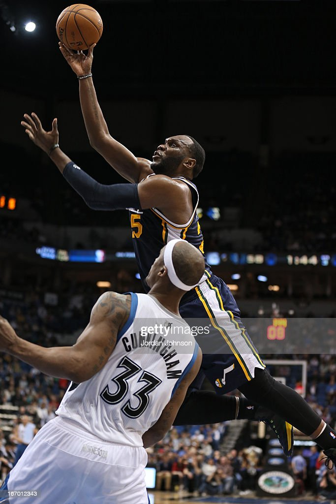 <a gi-track='captionPersonalityLinkClicked' href=/galleries/search?phrase=Al+Jefferson&family=editorial&specificpeople=201604 ng-click='$event.stopPropagation()'>Al Jefferson</a> #25 of the Utah Jazz drives to the basket against the Minnesota Timberwolves on April 15, 2013 at Target Center in Minneapolis, Minnesota.