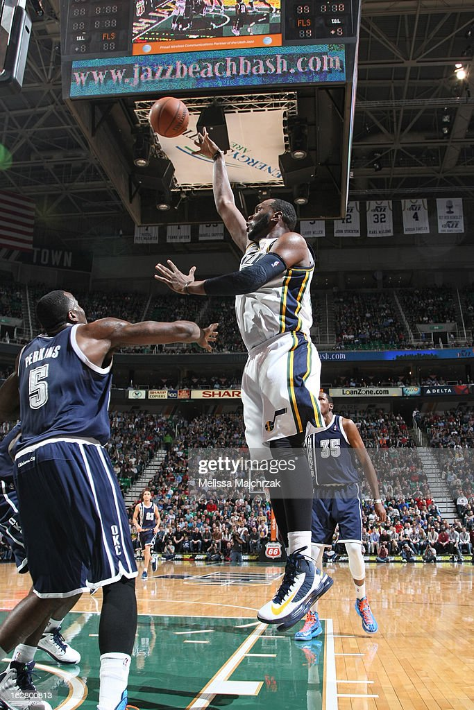 <a gi-track='captionPersonalityLinkClicked' href=/galleries/search?phrase=Al+Jefferson&family=editorial&specificpeople=201604 ng-click='$event.stopPropagation()'>Al Jefferson</a> #25 of the Utah Jazz puts up a shot against the Oklahoma City Thunder on February 12, 2013 in Salt Lake City, Utah.
