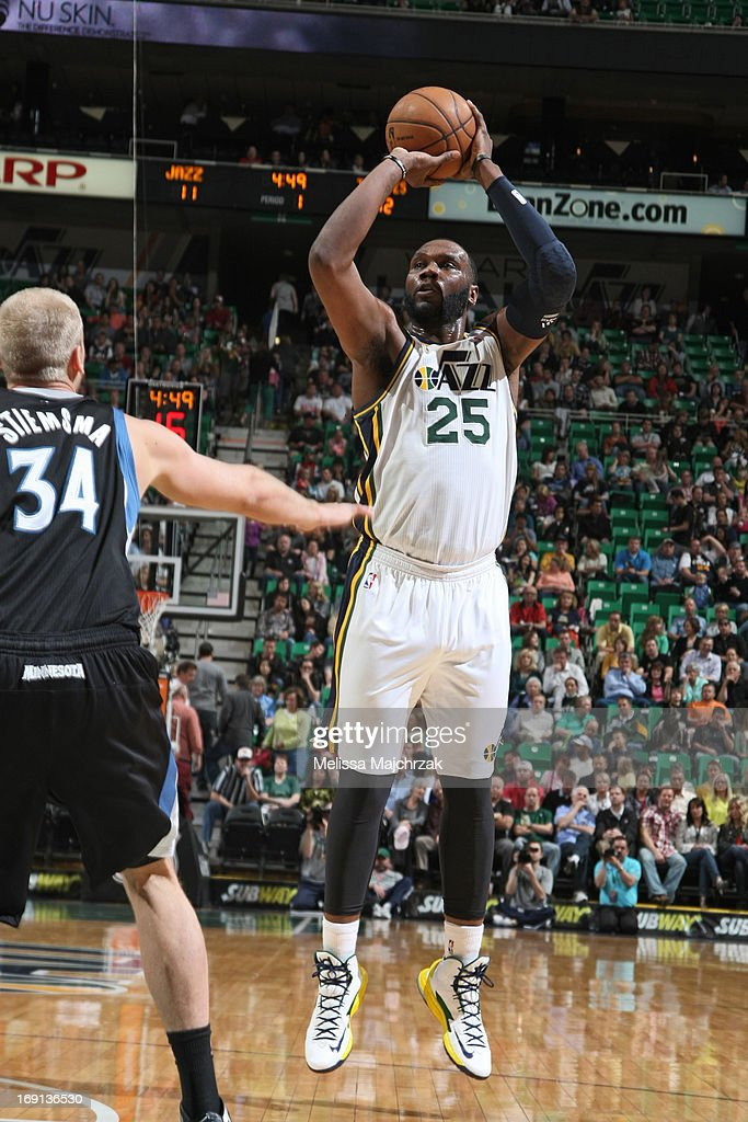 <a gi-track='captionPersonalityLinkClicked' href=/galleries/search?phrase=Al+Jefferson&family=editorial&specificpeople=201604 ng-click='$event.stopPropagation()'>Al Jefferson</a> #25 of the Utah Jazz shoots against <a gi-track='captionPersonalityLinkClicked' href=/galleries/search?phrase=Greg+Stiemsma&family=editorial&specificpeople=2098297 ng-click='$event.stopPropagation()'>Greg Stiemsma</a> #34 of the Minnesota Timberwolves at Energy Solutions Arena on April 12, 2013 in Salt Lake City, Utah.