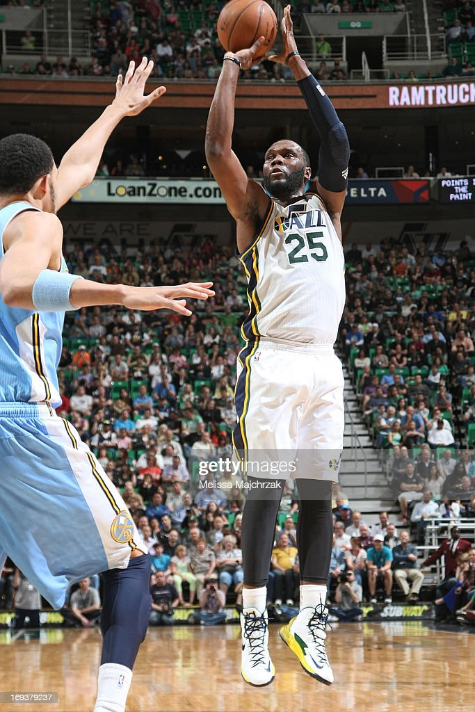 <a gi-track='captionPersonalityLinkClicked' href=/galleries/search?phrase=Al+Jefferson&family=editorial&specificpeople=201604 ng-click='$event.stopPropagation()'>Al Jefferson</a> #25 of the Utah Jazz shoots the ball against the Denver Nuggets at Energy Solutions Arena on April 3, 2013 in Salt Lake City, Utah.