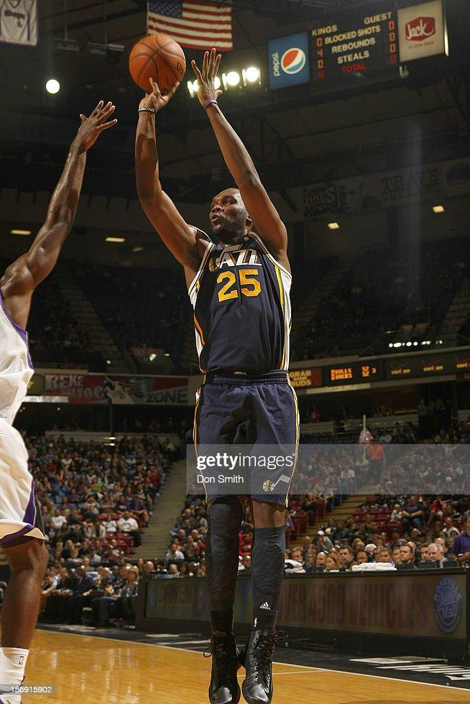 Al Jefferson #25 of the Utah Jazz shoots the ball against the Sacramento Kings on November 24, 2012 at Sleep Train Arena in Sacramento, California.
