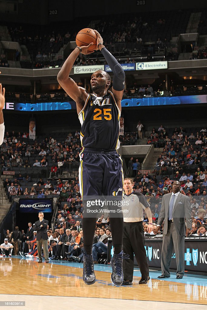 Al Jefferson #25 of the Utah Jazz takes a shot against the Charlotte Bobcats at the Time Warner Cable Arena on January 9, 2013 in Charlotte, North Carolina.