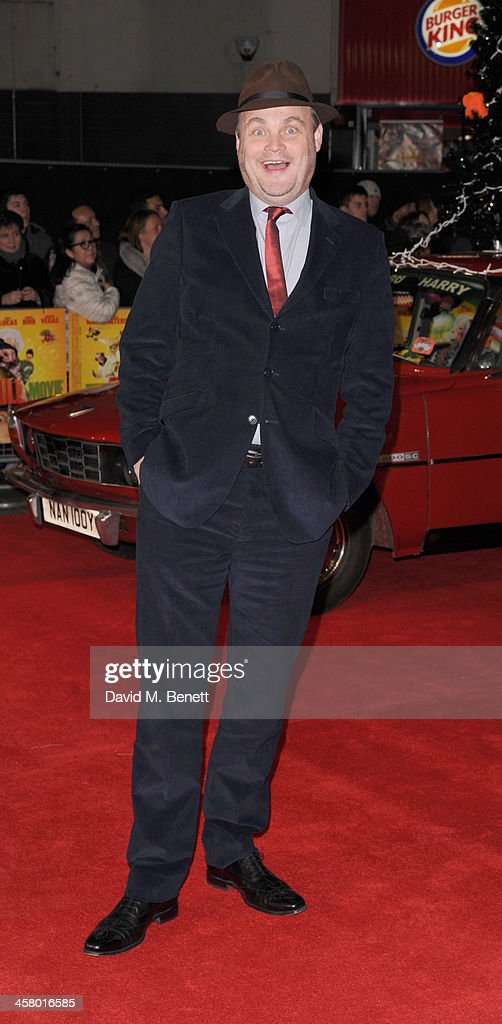 <a gi-track='captionPersonalityLinkClicked' href=/galleries/search?phrase=Al+Murray&family=editorial&specificpeople=217283 ng-click='$event.stopPropagation()'>Al Murray</a> attends 'The Harry Hill Movie' World Premiere at Vue Leicester Square on December 19, 2013 in London, England.