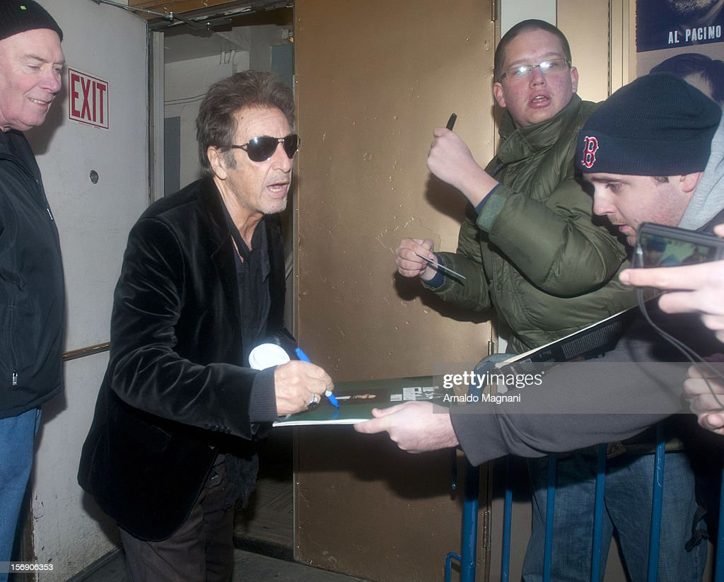 <a gi-track='captionPersonalityLinkClicked' href=/galleries/search?phrase=Al+Pacino&family=editorial&specificpeople=202658 ng-click='$event.stopPropagation()'>Al Pacino</a> arriving at his broadway play Glengarry Glen Ross on November 24, 2012 in New York City.