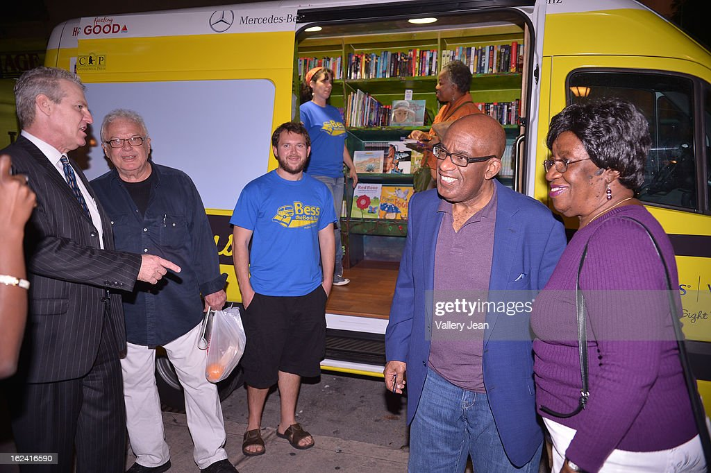 <a gi-track='captionPersonalityLinkClicked' href=/galleries/search?phrase=Al+Roker&family=editorial&specificpeople=206153 ng-click='$event.stopPropagation()'>Al Roker</a> greets fans and signs copies of his book 'Never Goin Back: Winning the Weight Loss Battle for Good' at Books and Books on February 22, 2013 in Coral Gables, Florida.